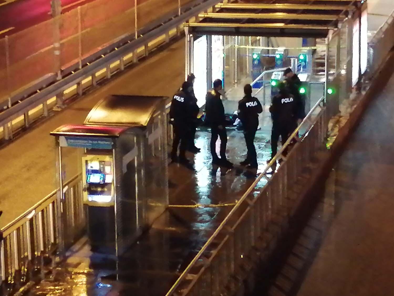 Çağlayan Metrobüs Durağı'nda şüpheli valiz alarmı