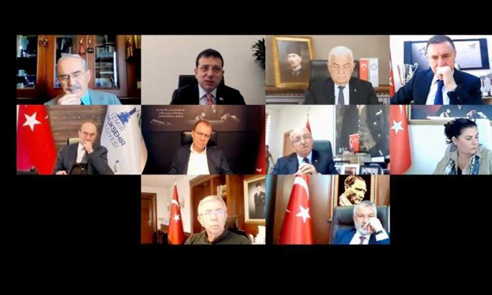 CHP'li 10 Büyükşehir belediye başkanından flaş karar