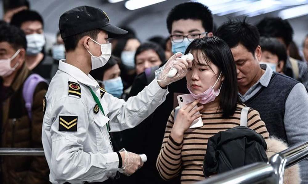 Çin'de uçuş personeline tuvalete gitmek yerine 'bez takma' önerisi