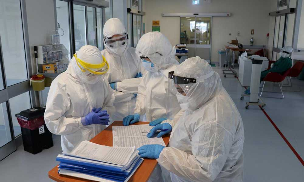 Koronavirüs vakalarının yüzde 14'ü sağlık emekçileri arasında görüldü