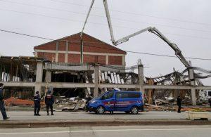 Bursa'da inşaatta çökme: Enkaz altına kalan 4 işçi kurtarıldı