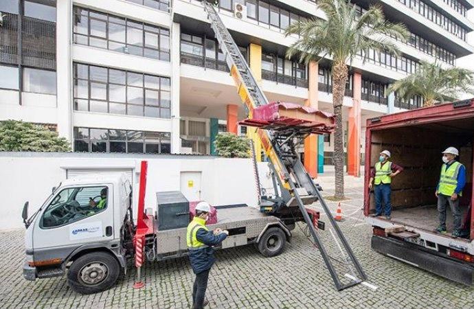 İzmir Büyükşehir Belediyesi'nin tahliyesine başlandı