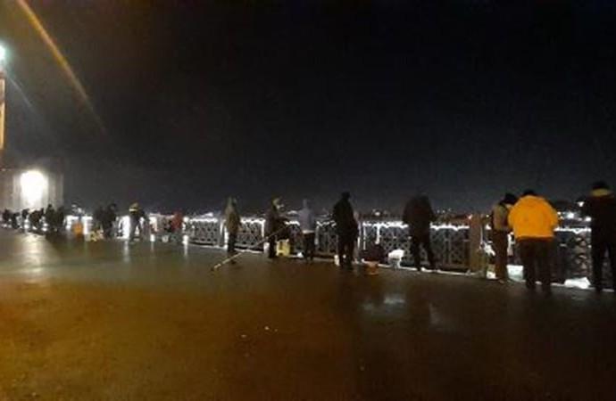 Kısıtlama bitti balıkçılar köprülere akın etti