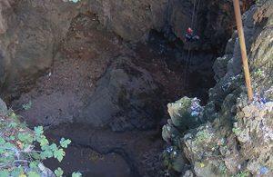 4 gündür aranan gencin cesedi 50 metre derinliğindeki obrukta bulundu