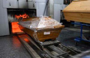 Almanya'da ölüler krematoryumlarda yakılmaya başlandı