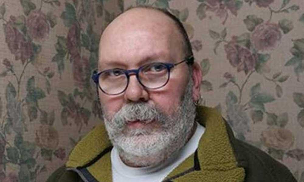 Tiyatrocu Ali Cem Köroğlu koronavirüs nedeniyle hayatını kaybetti