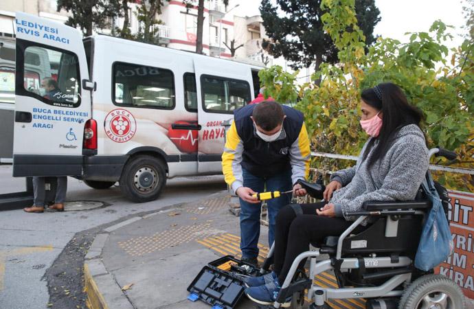 Buca Belediyesi engellilerin yolda kalma kaygısını kaldırdı