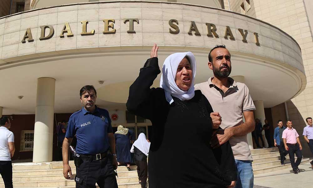 AKP il binası önünde oturma eylemi yaparken gözaltına alınmışlardı! Şenyaşar ailesi serbest bırakıldı
