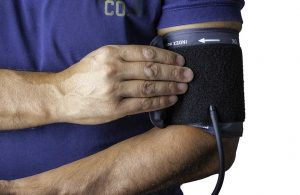 İki kol arasındaki tansiyon farkı damar tıkanıklığı nedeni olabilir