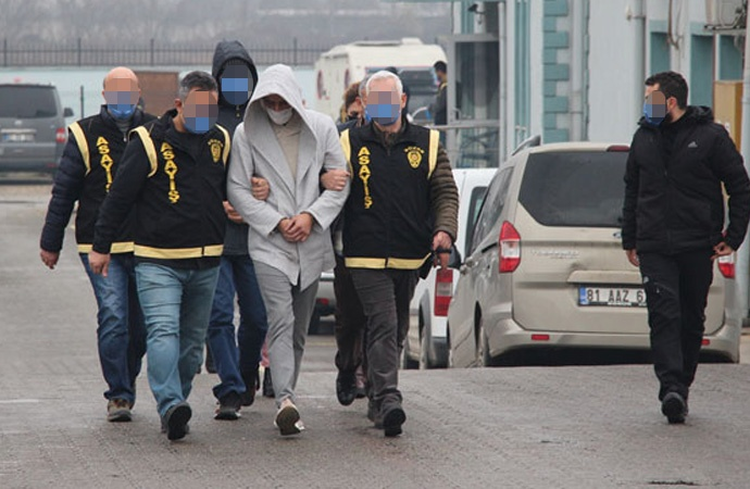 TMSF'nin el koyduğu FETÖ'nün araçlarını çalmaya çalışan 4 kişi yakalandı