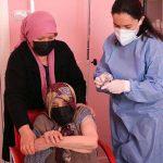 103 yaşındaki kadına koronavirüs aşısı yapıldı