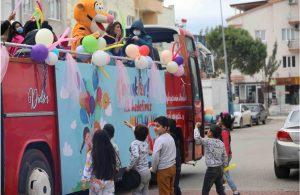 Başkan Atabay'dan çocuklara mutluluk dolu sürpriz