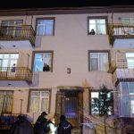 Marketten dönen çift, evlerinin önünde komşuları tarafından öldürüldü