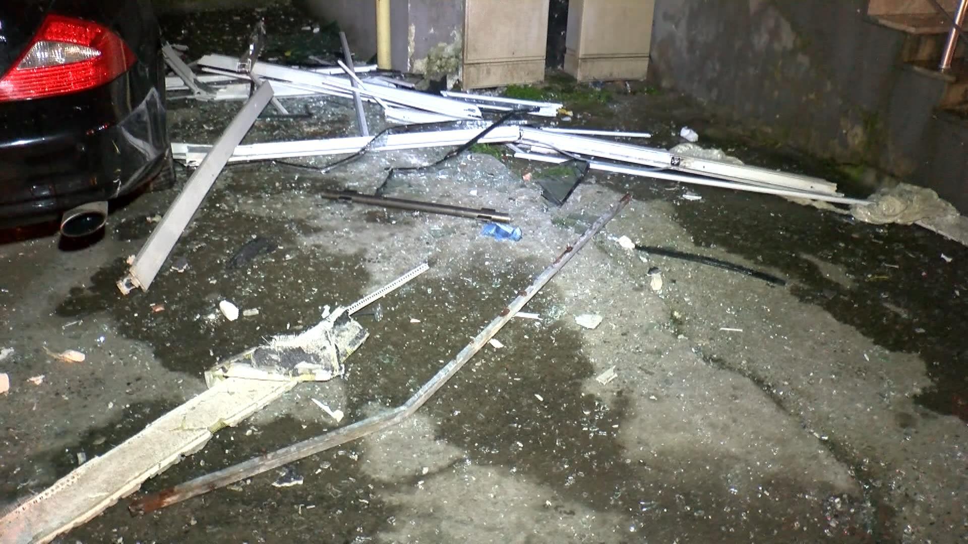 Esenyurt'ta 22 katlı binanın 9'uncu katında patlama: 5 yaralı