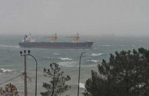 190 metrelik gemi Riva'da karaya oturdu: Olay yerine çok sayıda polis sevk edildi