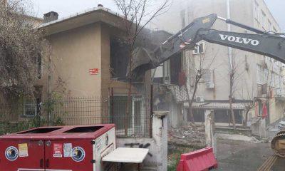 Kartal Belediyesi ilçedeki riskli yapıların yıkımına devam ediyor