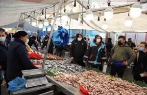 Kartal Belediyesi'nden Balık Tezgâhlarına Denetim