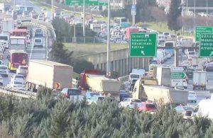 İstanbul'da kısıtlaması öncesi trafik yoğunluğu
