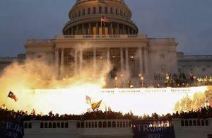 ABD'de kaos: Beyaz Saray'da üst düzey istifalar