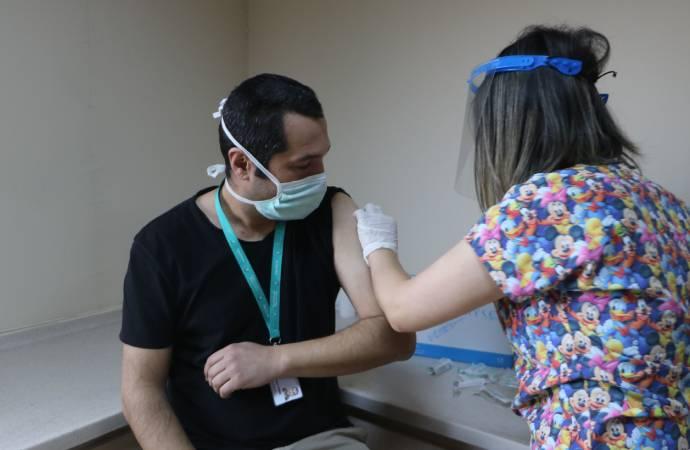 Bilim Kurulu üyesi anlattı: İşte 6 adımlık aşı sürecinde yapılması gerekenler