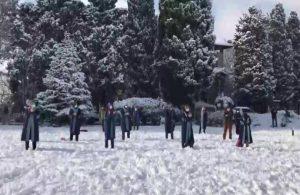 'Melih Bulu' protestoları: Boğaziçi Üniversitesi öğretim üyeleri kara aldırış etmedi