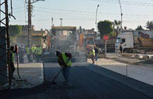 Tarsus'ta caddeler Büyükşehir tarafından yenileniyor