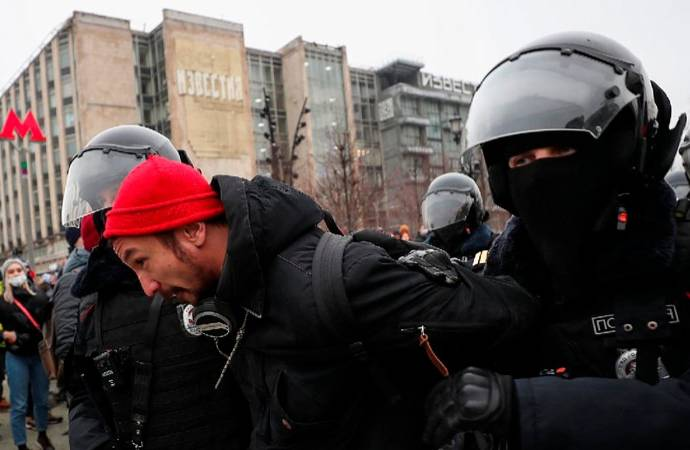 Rusya'da Navalny protestosuna polis müdahalesi
