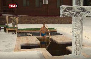 Putin, Epifani bayramı için buzlu suya girdi!
