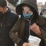 Başına buz sarkıtı düşen adam neredeyse gözünü kaybediyordu!