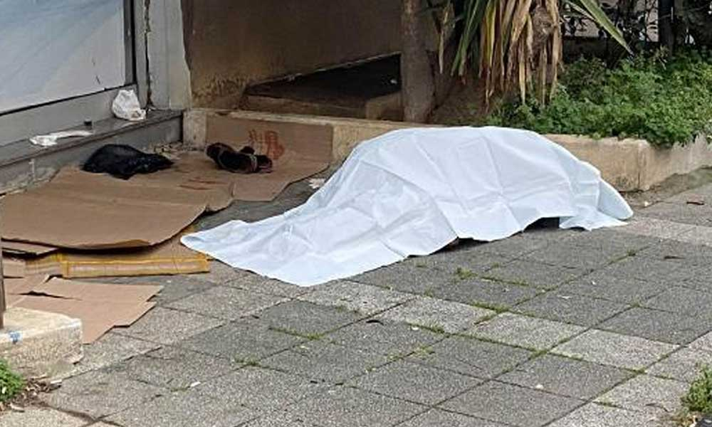 Sokakta yaşadığı iddia edilen 65 yaşındaki yurttaşın cesedi bulundu