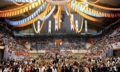 Koronavirüs tedbirlerinin göz ardı edildiği AKP kongresinde, MHP'yi çok kızdıracak pankart