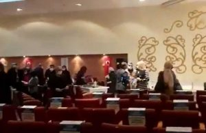 Meclis toplantısında AKP'liler kendi aralarında kavga etti