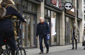 Almanya'da koronavirüs kısıtlamaları 31 Ocak'a kadar uzatıldı