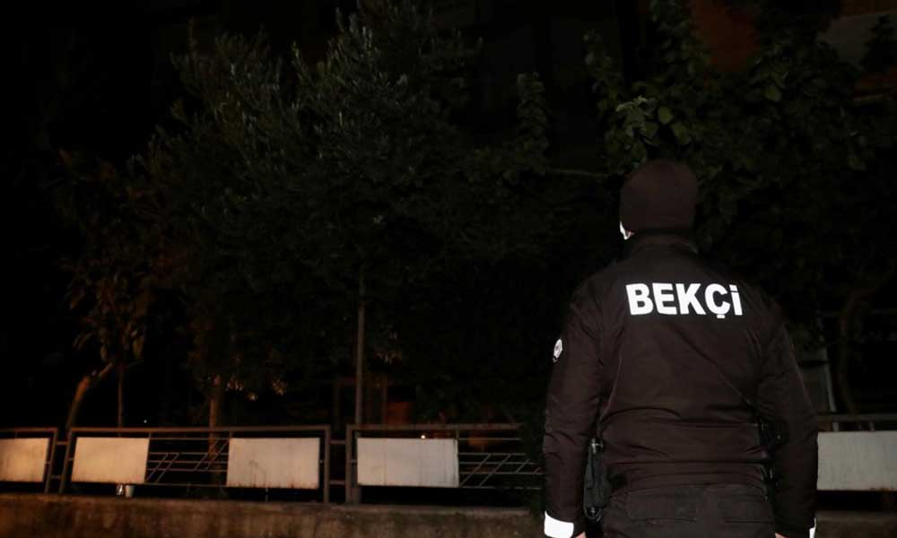 Sokağa çıkma kısıtlamasına uymayan genç, saklandığı apartmanda yakalandı