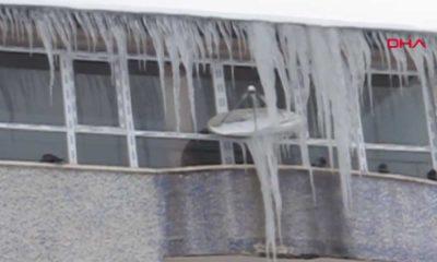 Türkiye'nin en soğuk kenti Ağrı oldu: Buz sarkıtları 2 metreye ulaştı