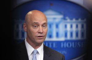 Trump, Marc Short'un Beyaz Saray'a girişini yasakladı