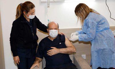 KKTC'de ilk koronavirüs aşısını Ersin Tatar oldu