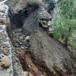 Arsuz'da kapanan yollara HBB Ekipleri anında müdahale etti