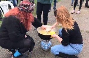 Boğaziçi Üniversitesi öğrencileri rektörlüğün helvasını kavurdu