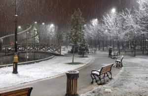 İstanbul'da beklenen kar sonunda yağdı!