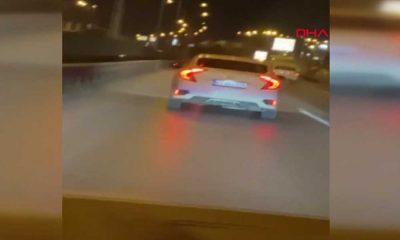 Makas atan sürücüyü görüntülemek isterken, trafiği tehlikeye soktu!