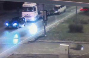 Kırmızı ışıkta bekleyen TIR'a minibüs çarptı: 1 ölü, 2 yaralı