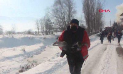 Yanan evden son anda kurtarılan Duman'a kalp masajı yapıldı
