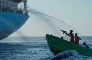 Gine Körfezi'nde bir gemiye daha korsanlar saldırdı