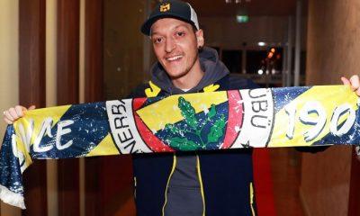 Site çöktü: Fenerbahçe'den 'Mesut Ol' kampanyası!