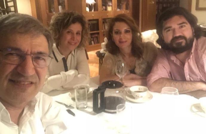 Orhan Pamuk'un Rasim Ozan Kütahyalı ile olan fotoğrafı eleştiri oklarının hedefi oldu