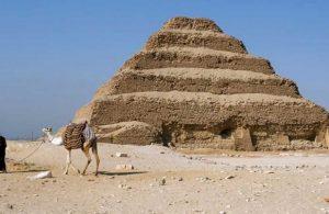 Mısır'da 52 lahit ve cenaze tapınağı bulundu