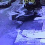 Kontrolsüz dönüş yapan otomobil motosiklete çarptı!