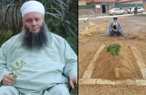 Tarikat şeyhi öldü, mezarlığa değil türbeye gömüldü