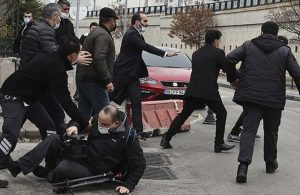 Ümitcan Uygun'un ailesi adliye çıkışı gazetecilere saldırdı